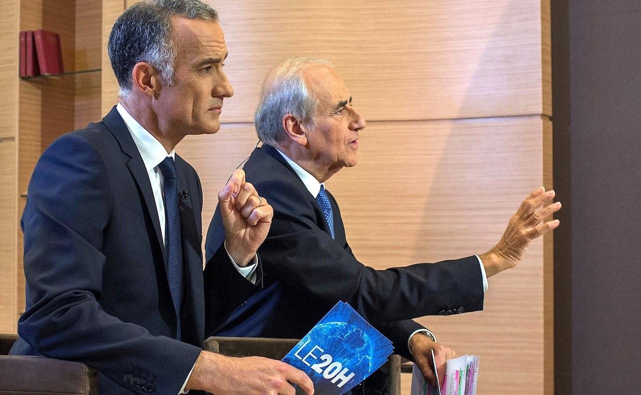 Gilles Bouleau en train d'interviewer Vlamdimir Poutine